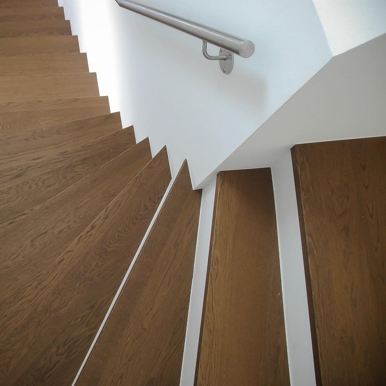 treppenstufen galerie j u janietz holz. Black Bedroom Furniture Sets. Home Design Ideas